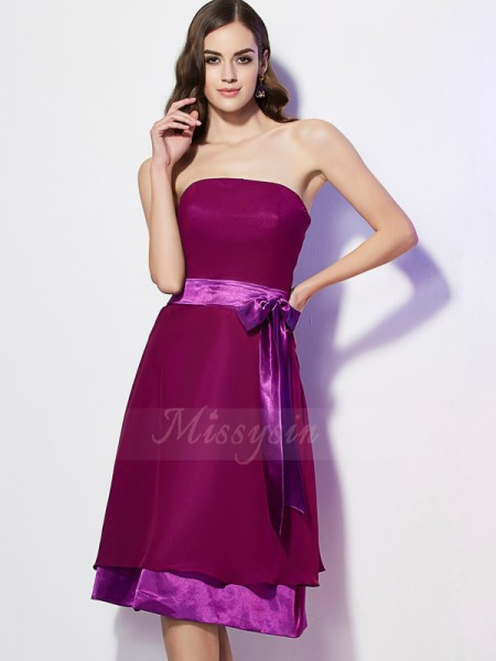 A-Line/Princess Strapless Sleeveless Knee-Length Burgundy Bridesmaid Dresses