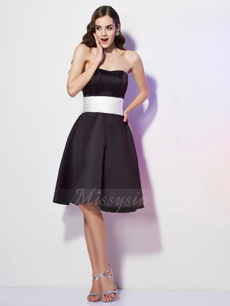 Sheath/Column Strapless Sleeveless Knee-Length Black Bridesmaid Dresses