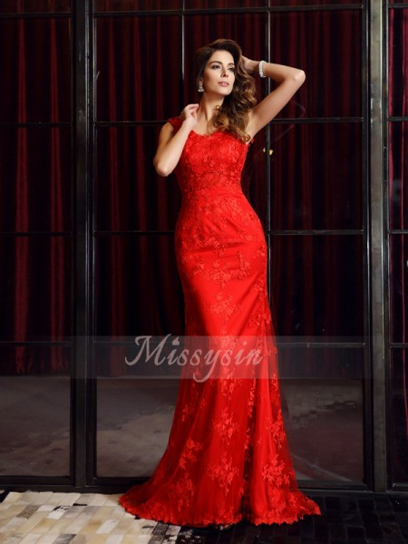 Sleeveless V-neck Lace Sweep/Brush Train Red Dresses