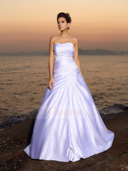 Ball Gown Sleeveless Strapless Satin Court Train White Wedding Dresses