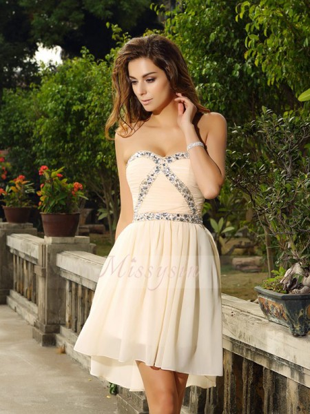 Sleeveless Sweetheart Chiffon Short/Mini Champagne Cocktail Dresses