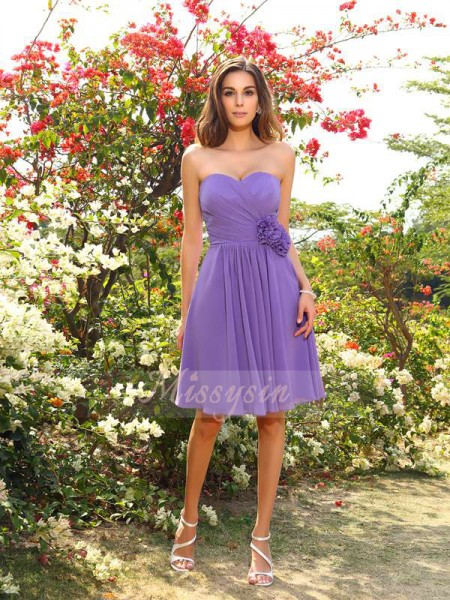 Sleeveless Sweetheart Chiffon Knee-Length Lilac Bridesmaid Dresses