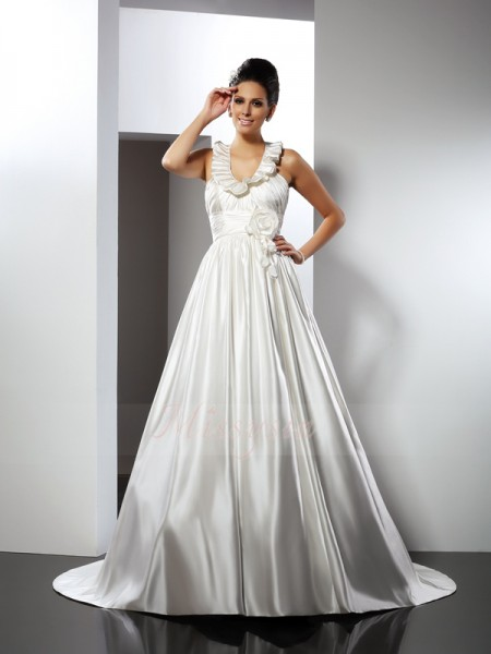 A-Line/Princess Sleeveless Halter Chapel Train Ivory Wedding Dress