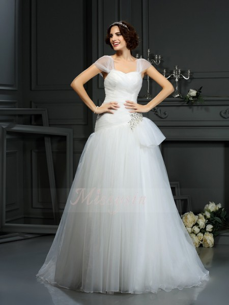 A-Line/Princess Sleeveless Sweetheart Court Train Ivory Wedding Dress