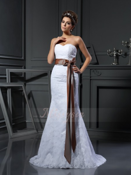 Sheath/Column Sleeveless Sweetheart Court Train White Wedding Dress