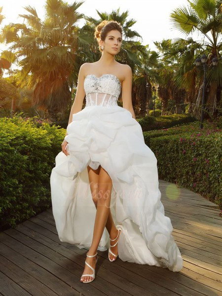 A-Line/Princess Sleeveless Sweetheart Asymmetrical White Wedding Dress