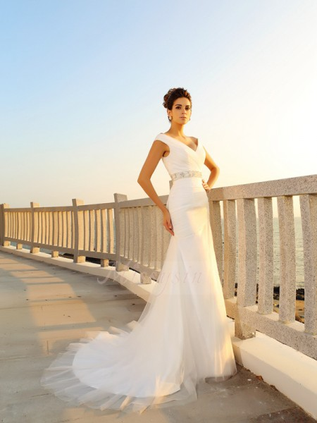 Sheath/Column Sleeveless V-neck Court Train Ivory Wedding Dress