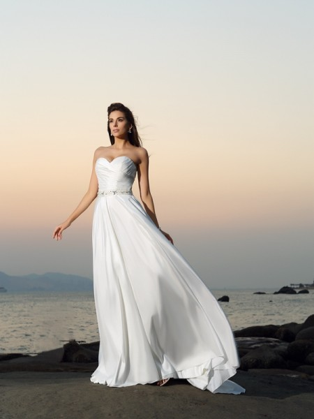 A-Line/Princess Sleeveless Sweetheart Chapel Train Ivory Wedding Dress