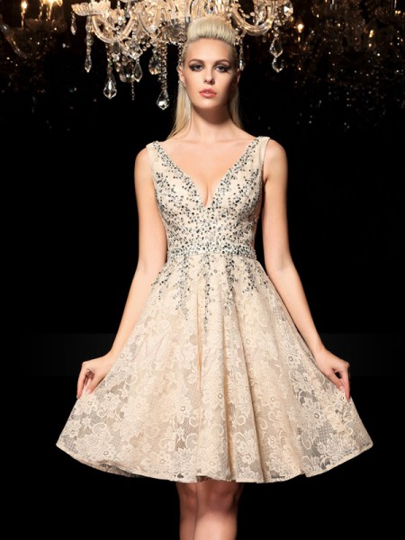 A-Line/Princess Sleeveless V-neck Short Champagne Dresses