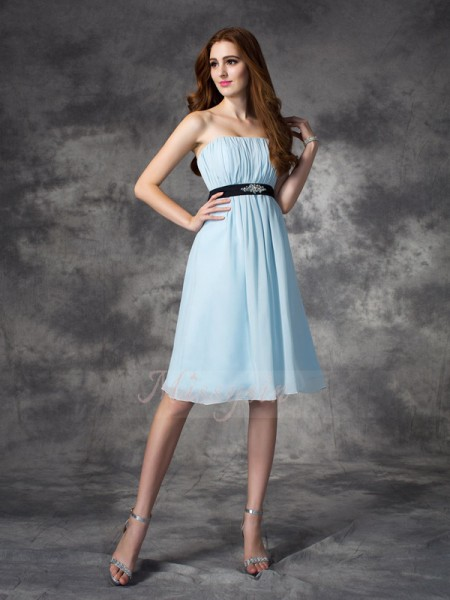 A-line/Princess Sleeveless Strapless Short Light Sky Blue Bridesmaid Dresses