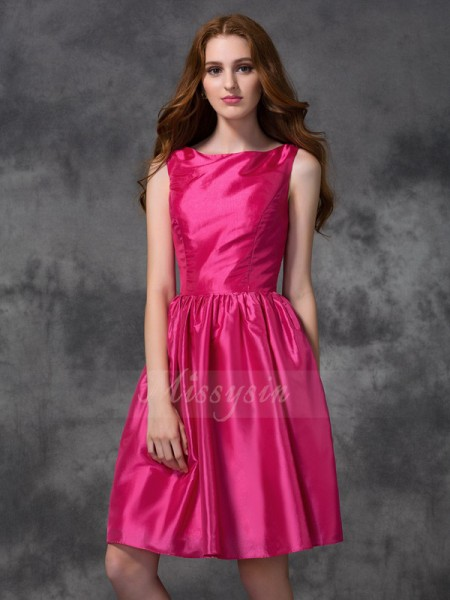 A-line/Princess Sleeveless Bateau Knee-length Fuchsia Bridesmaid Dresses