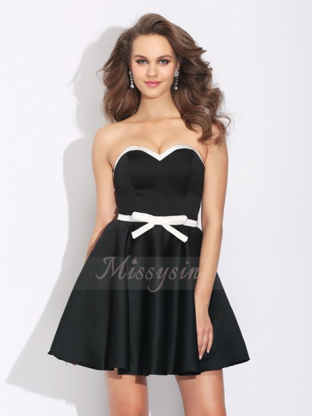 A-Line/Princess Sleeveless Sweetheart Short Black Dresses