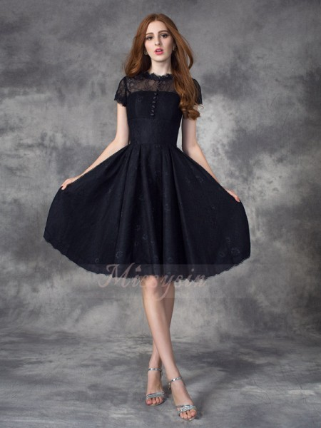 A-line/Princess Short Sleeves Jewel Short Black Dresses