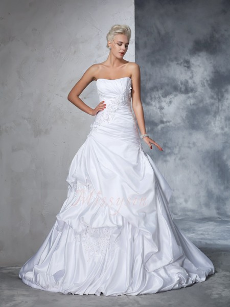 Ball Gown Sleeveless Strapless Chapel Train White Wedding Dresses