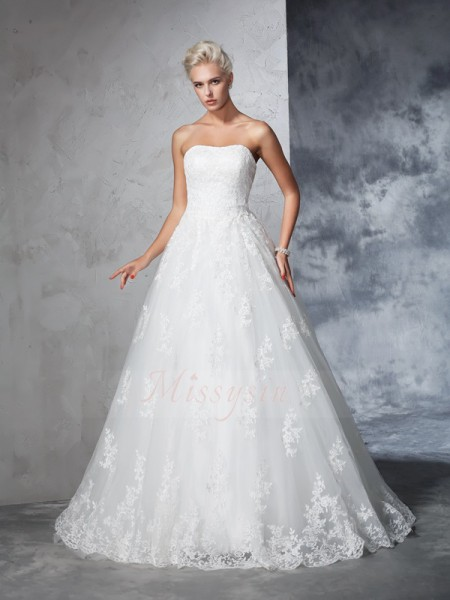 Ball Gown Sleeveless Strapless Court Train Ivory Wedding Dresses