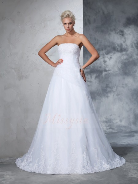 Ball Gown Sleeveless Strapless Court Train White Wedding Dresses