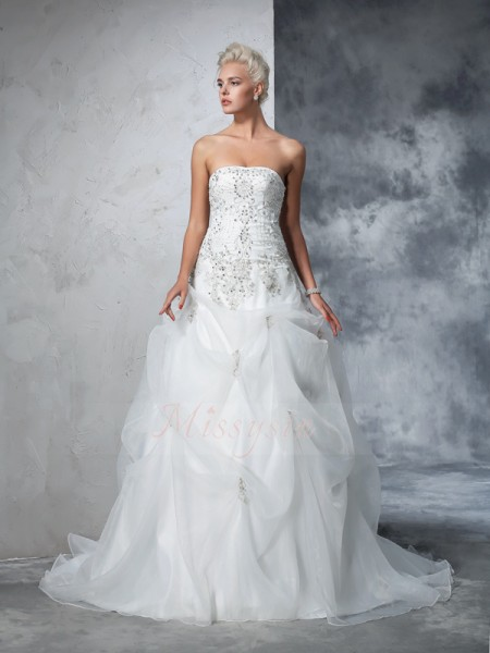 Ball Gown Sleeveless Strapless Chapel Train Ivory Wedding Dresses