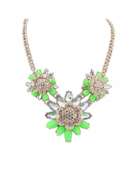 Occident Stylish Exquisite Flowers with diamonds Hot Sale Necklace