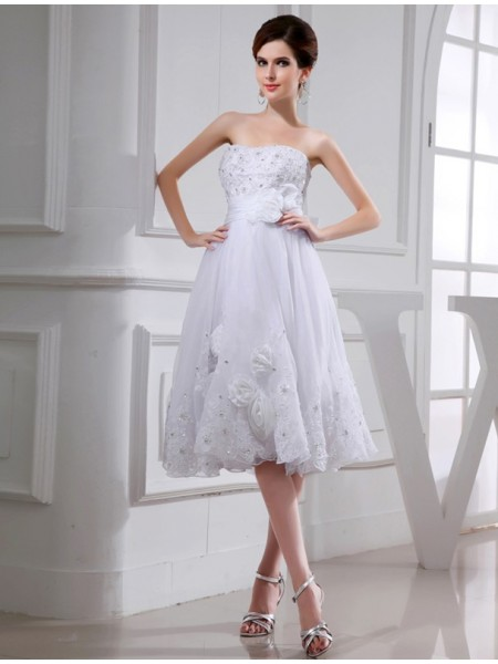 Sleeveless Strapless Short White Wedding Dresses