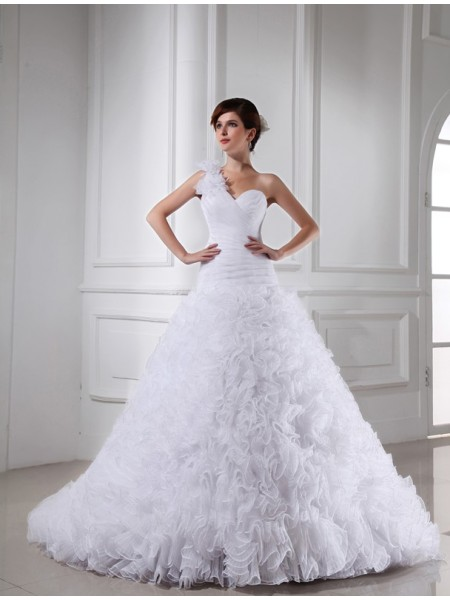 Sleeveless Sweetheart , One-Shoulder Chapel Train White Wedding Dresses
