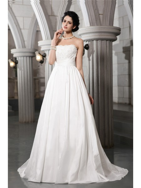 Sleeveless Strapless Court Train White Wedding Dresses