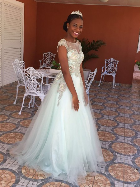 A-Line/Princess Sleeveless Bateau Long White Tulle Prom Dresses