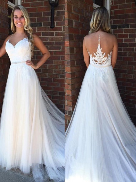 A-Line/Princess Tulle Applique Scoop Sleeveless Court Train White Wedding Dresses
