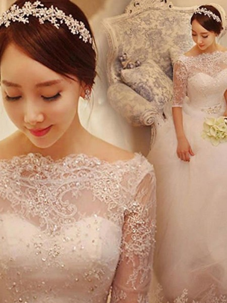 Trumpet/Mermaid Tulle Lace V-neck 3/4 Sleeves Court Train White Wedding Dresses