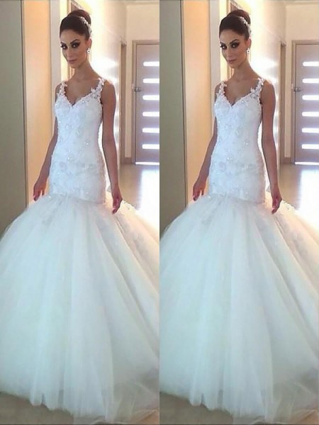 Trumpet/Mermaid Tulle Applique V-neck Sleeveless Court Train Ivory Wedding Dresses