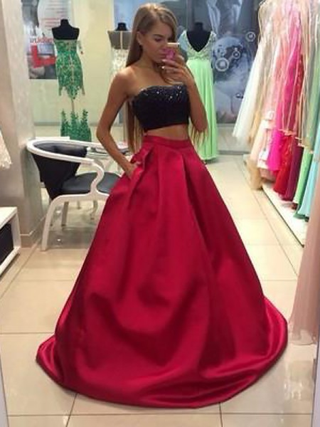 A-Line/Princess Sleeveless Strapless Long Red Tulle Prom Dresses