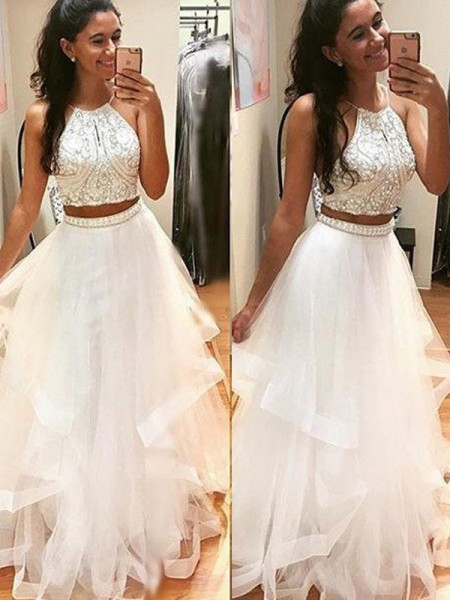 A-Line/Princess Sleeveless Halter Long White Tulle Prom Dresses