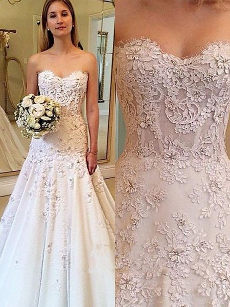 A-Line/Princess Sleeveless Sweetheart Court Train Ivory Lace Wedding Dresses