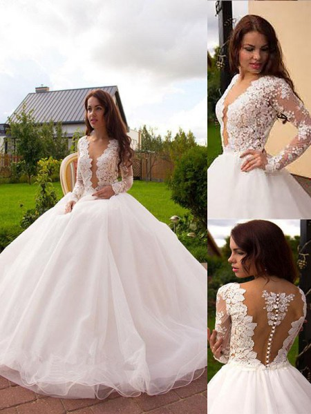 Ball Gown Long Sleeves V-neck Court Train Ivory Tulle Wedding Dresses