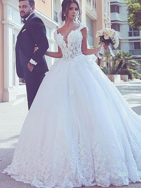 Ball Gown Sleeveless Sweetheart Sweep/Brush Train Tulle Lace Wedding Dresses